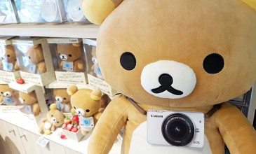Canon เปิดตัว EOS M10 x Rilakkuma คุมโทนสไตล์ Toy Travel